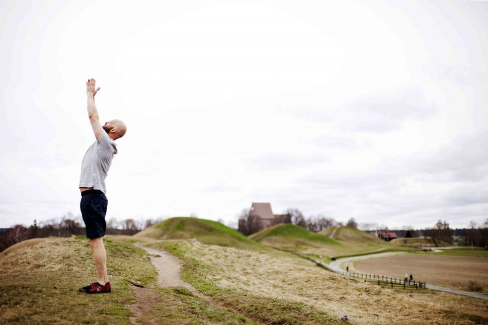 solhälsning yoga in våren